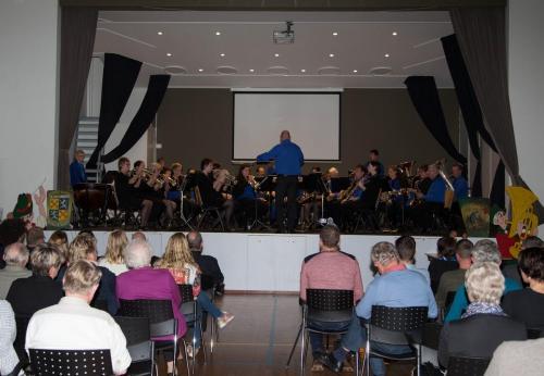 Najaarsconcert De Wielewaal Scheerwolde - 19-11-2016 - 1