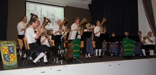 Najaarsconcert De Wielewaal Scheerwolde - 19-11-2016 - 19
